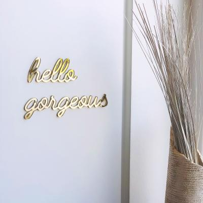 XL Self-adhesive Wall Quote 'hello gorgeous' in Gold by GOEGEZEGDⓇ